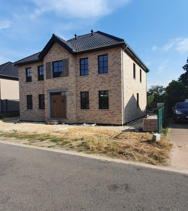 Villa Overpelt Goossens Building